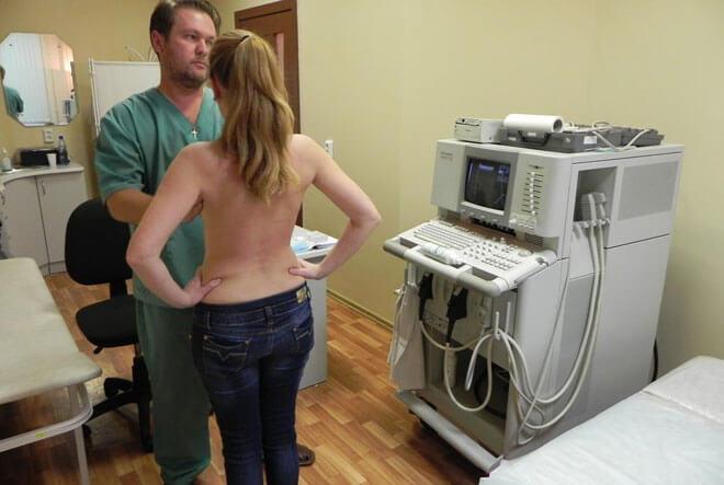 Стоит ли идти к врачу если болит грудь