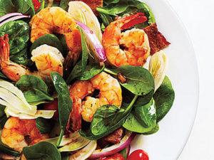 Быстрый салат из креветок и шпината