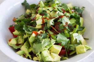 Острый салат из авокадо